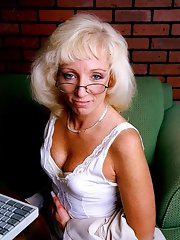 Granny tgp