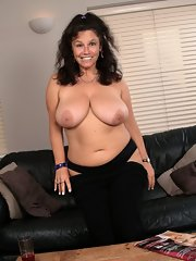 Curvy mature brunette women remarkable