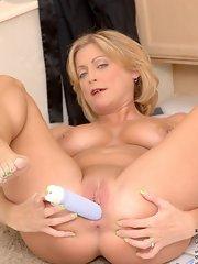 Lya pink mature woman nude