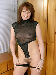 Hot mature pussy photos