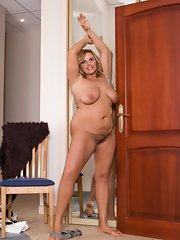 bbw images front Beauteful show pussy full